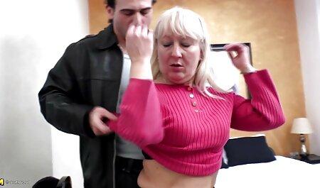 Lindo culo muñeca amor duro golpeando con una polla en el culo y un enorme videos sexo veteranas creampie en el anal rasgado