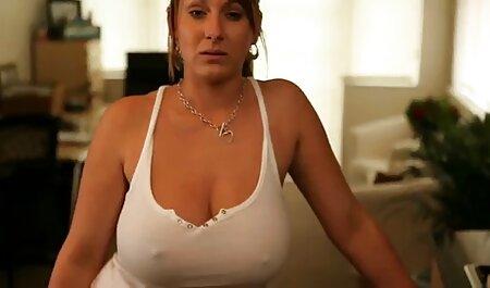 Hermoso culo, leche grande xxxx veteranas y sexo anal caliente por una chimenea iluminada