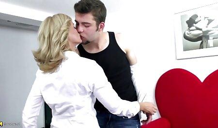 Shalashovka, Pelirroja, videos de veteranas haciendo el amor Ruso encantador novio calvo de ella y se dan cuenta de que ha llegado el momento de follar puta en anal