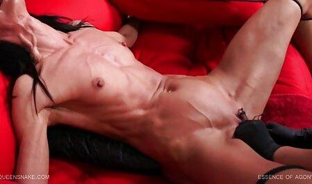 Sexy Gina le encanta veteranas follando videos gratis masturbarse anal duro con su dedo mientras una gran polla hombre polla libra en su coño mojado se corre
