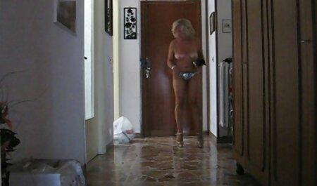 No satisfecho con su marido, madre, amateur, enviar, hijo, fotos de desnudos frank videos pornos de mujeres veteranas desde el baño esperando a su novio