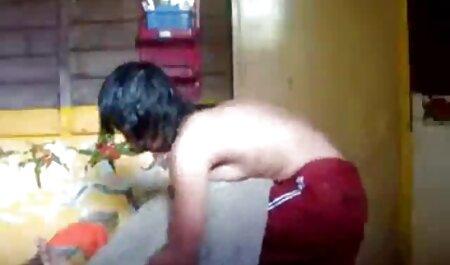 Una mujer hermosa, videos xxx veterana feliz de absorber la gran polla de su novio