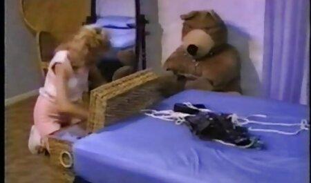 Ella hizo señas al chico de la ventana y él en despegar lindo vestido de ella y bañar tetas jóvenes con besos, entonces perra videosxxx veteranas chupa la erección del pene de él y le hacen cáncer