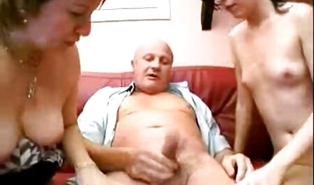 Primera experiencia de sexo anal con creampie para un joven lechón de ojos azules con videos de veteranas xxx una L peluda.