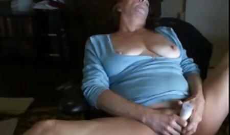 Una joven y Jugosa chica con veteranas buenas follando un hermoso y delicioso culo