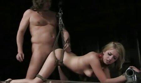 Una dulce venganza fue tomada por su antiguo amante cuando está ver videos porno de veteranas en prisión, y después de regresar con él después de ser liberada, debe seducirlo en un sexy con un cofre profundo y luego cayó en manos de la policía