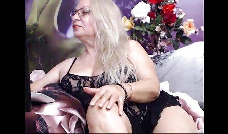 Pequeña puta masturbándose con un vibrador durante videos pornos caseros de veteranas el sexo profundo