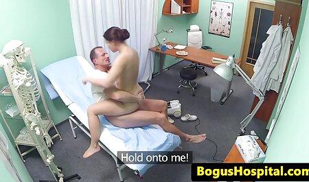 Madura belleza rusa en lencería cara, veteranas foyando su hermana L.