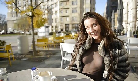 Una rubia glamorosa frente a una red observada, veteranas peludas follando Network Monitor, masturbarse un dulce anal y afeitado L.