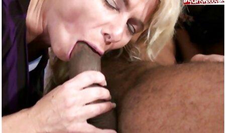 El chico se corre en la videos pornos de mujeres veteranas leche grande es una perra roja después del sexo