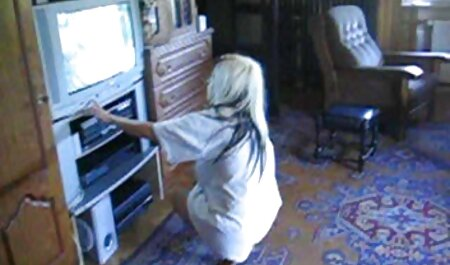 Las chicas latinas colombianas en lencería sexy veteranas xxx videos tienen un gran culo y el chico, sin ningún juego previo en absoluto, comenzó a penetrarla con la gordita gorda y a su hija le gustó, ella quería que la follara aproximadamente