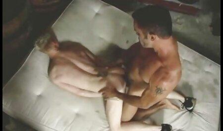 De pelo videos xxx de maduras amateur negro Milf seduce a jóvenes lesbianas para el sexo oral