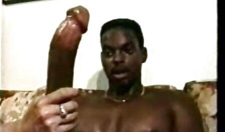 Modelo porno abierto de ancho strap-on con un veteranas eroticas hombre blanco