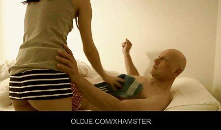 modelo porno maduro no es reacio al ajetreo videos xxx veteranas gratis de una puta de élite con una masajista durante un entrenamiento