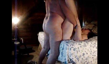 Chica hablando con su novio como si quisiera probar la fiesta de sexo videos pornos veteranas en grupo y él, sin dudarlo, trae a la gente a su mejor amiga a su casa, que accedió a hacer el martes y los hombres usan dos pares de pantalones cortos golpeando en el ano y el coño de la puta