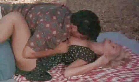 Pelirroja tiene sexo lésbico con una videos de veteranas xxx morena caliente