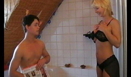 Precioso L. Una madura ama de veteranas colombianas follando casa recibe un buen aseo en el cuarto de baño