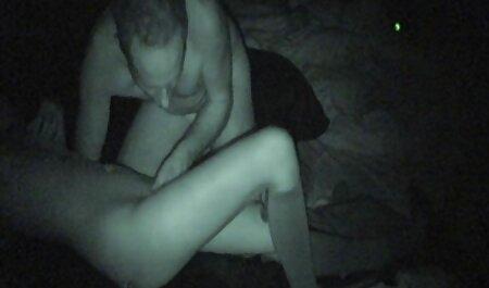 Dos chica checa veteranas videos xxx convenció a un chico en un trío sexy