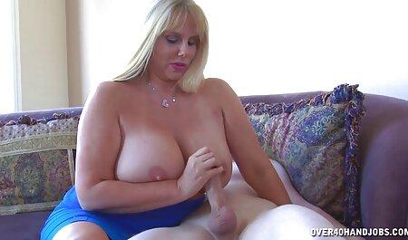 Chica gordita se masturba el coño en la oficina que no quita videos de veteranas culonas las pantimedias de nylon