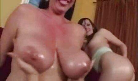 Sensual adolescente Latina disfruta de un videos gratis de veteranas Hardcore gangbang