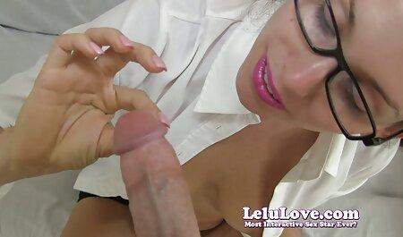 Chica descarada empujando un consolador enorme en su afeitado videos pornos de mujeres veteranas L.